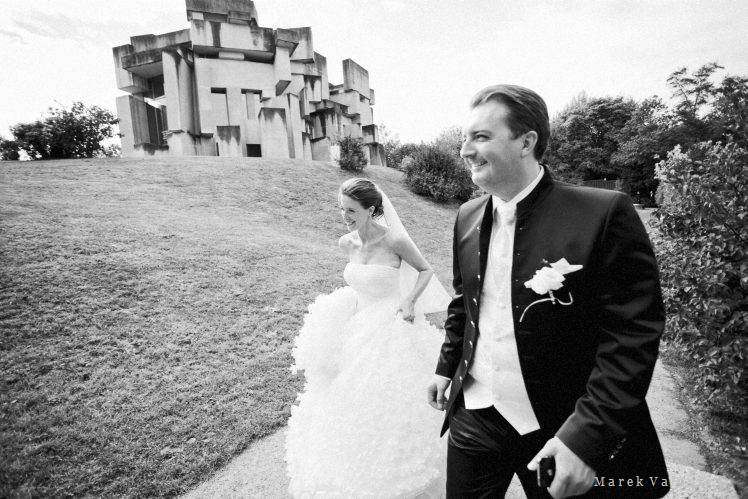photojournalistic black and white wedding photography Vienna