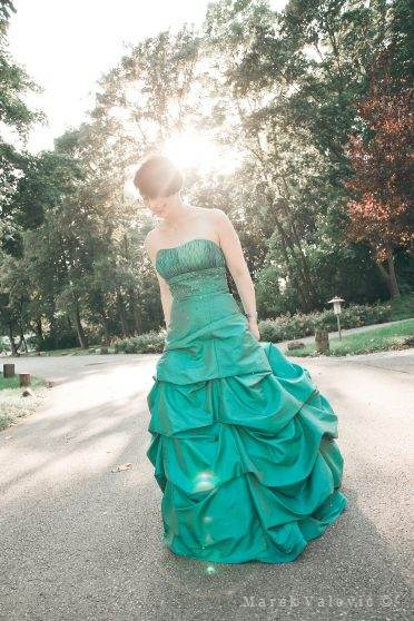 bride in art light - nice green wedding dress