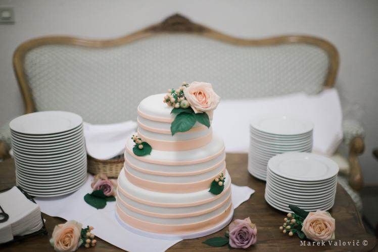 wedding cake and plates - with rose