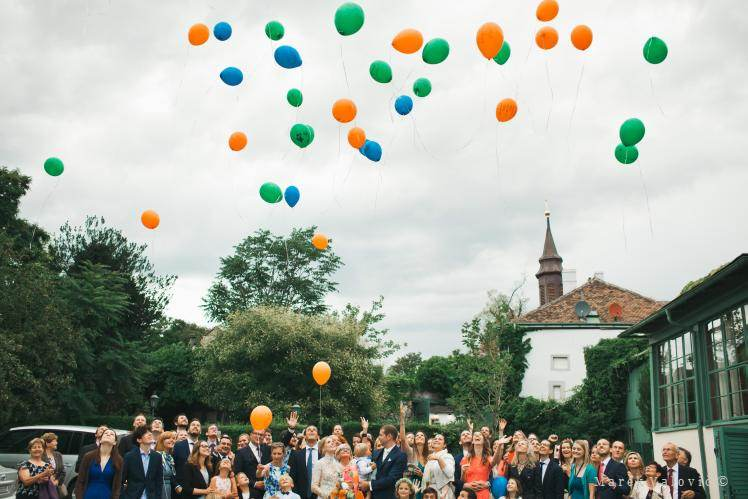 wedding wishes on balloons - Pfarrwirt Vienna