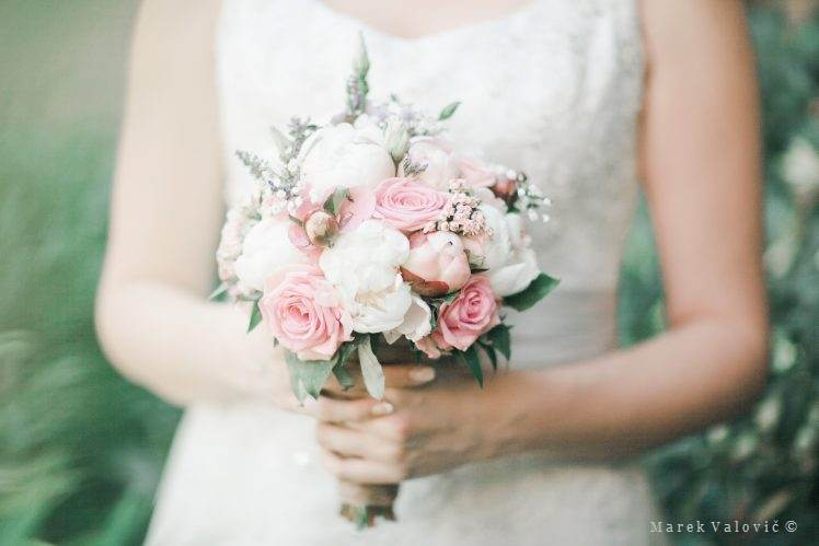 fine art photo film bouquet detail wedding photographer slovakia