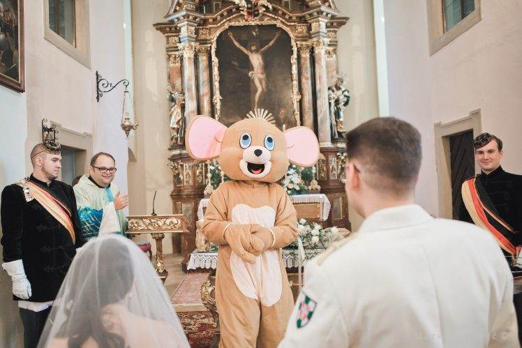 mouse on wedding ceremony - church tradition