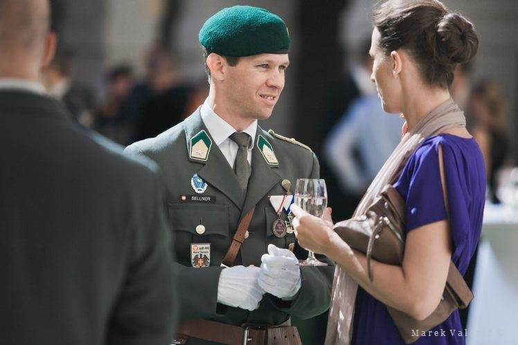 army wedding guests