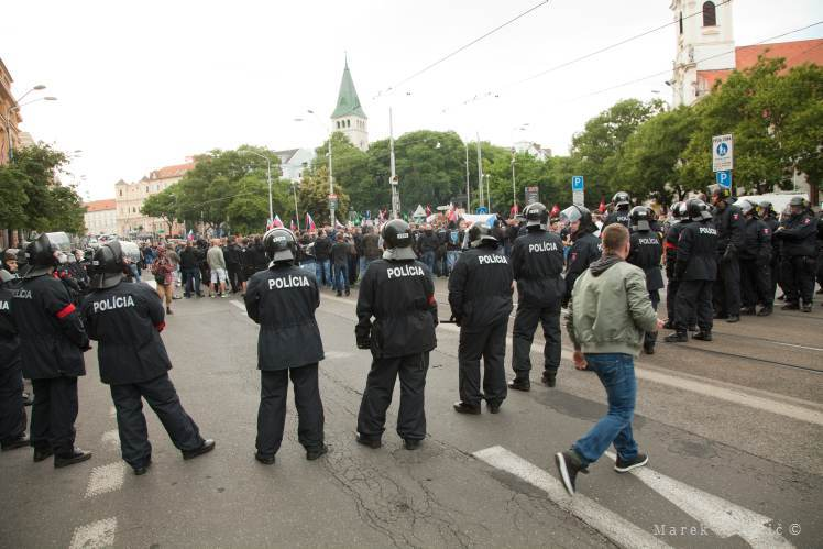 Discursive Photojournalistic  photography | Demonstration Bratislava Police