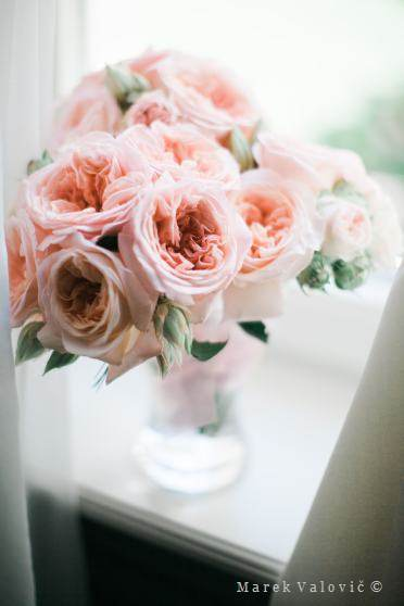 wedding bouquet roses pink color