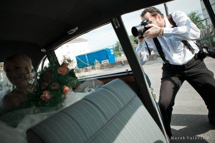 action wedding photographer