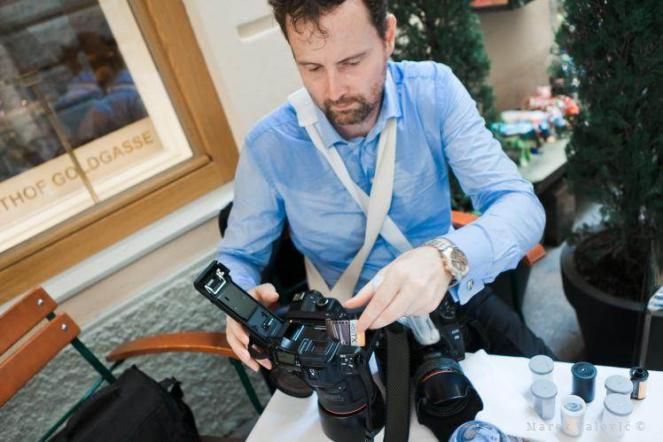 tired wedding photographer - film photography Austria - behind the scene